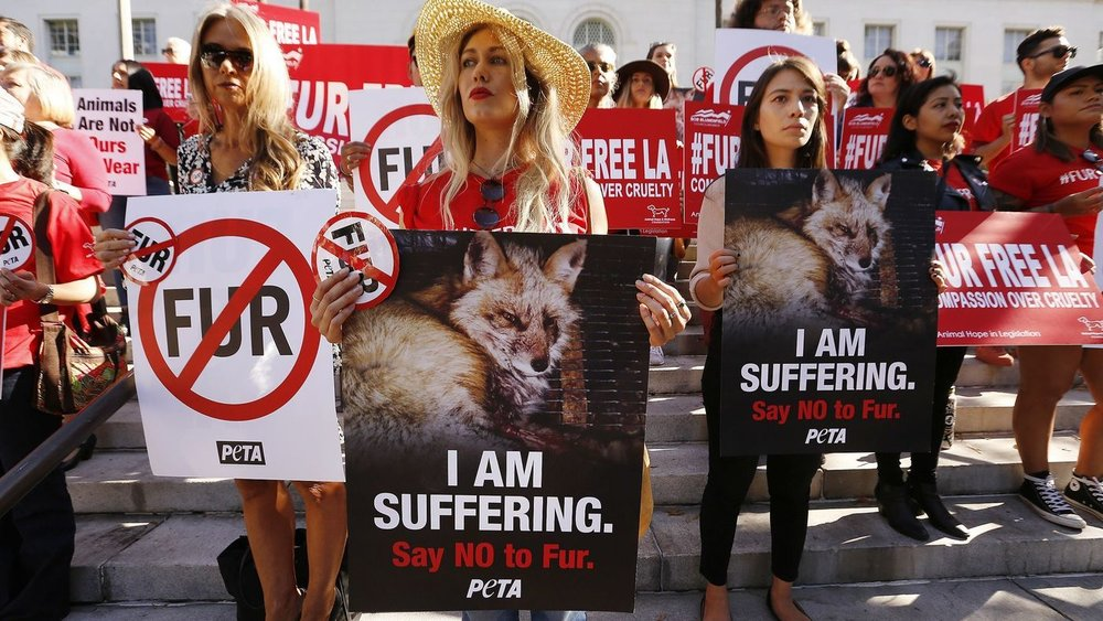 LA bans fur 91818-.jpg