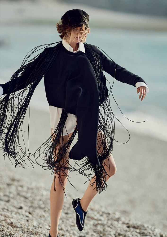 Cato Van Ee by Gilles Bensimon for Elle UK October 2018 (1).jpg