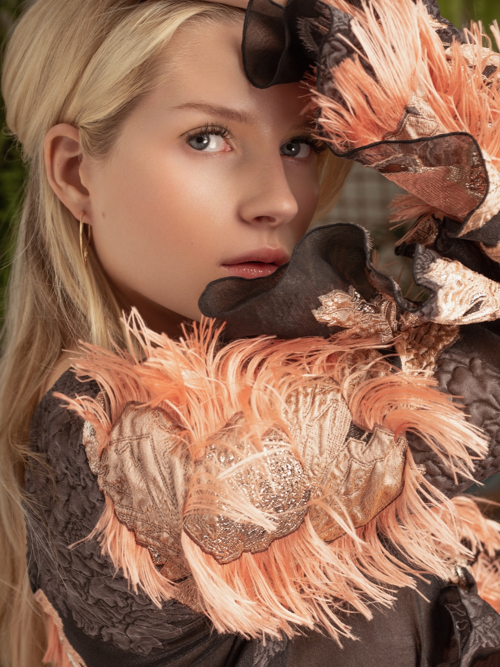 Lottie-Moss-ELLE-Bulgaria-October-2018-Anna-Zesiger-7.jpg