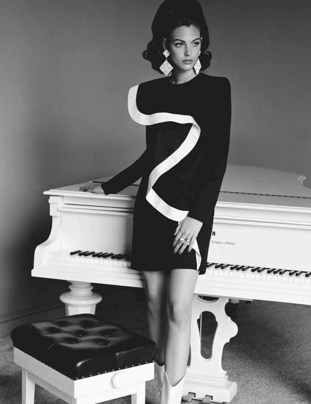 Vittoria-Ceretti-Alasdair-McLellan-Vogue UK (8).jpg