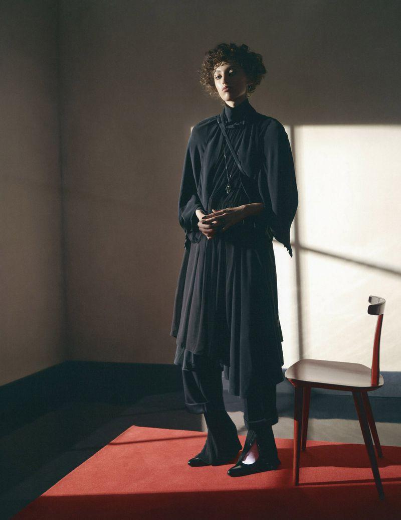 Emma Summerton Snaps 80s Suits for Vogue Germany Nov 2018 (3).jpg