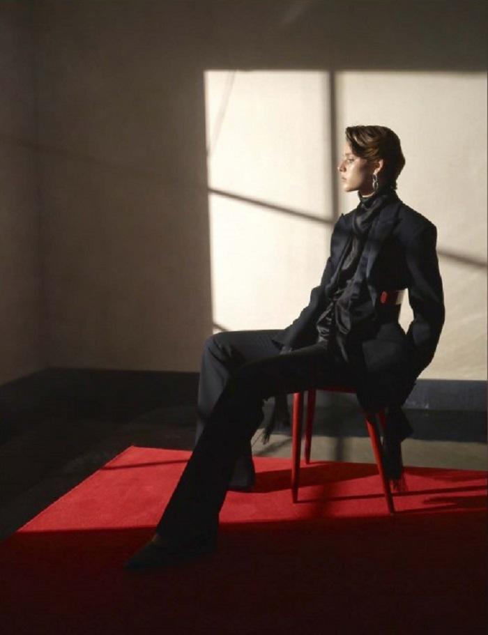 Emma Summerton Snaps 80s Suits for Vogue Germany Nov 2018-11.jpg