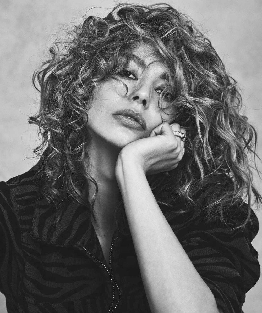 Ondria Hardin by Nicole Bentley for Vogue Australia Nov 2018 (2).jpg
