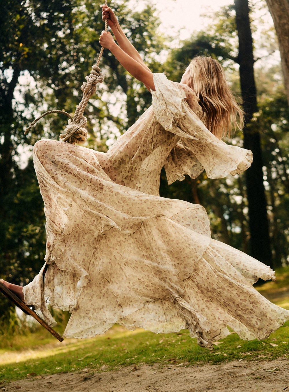 Esti van Balen by Georges Antoni for Elle Australia Nov 2018 (2).jpg