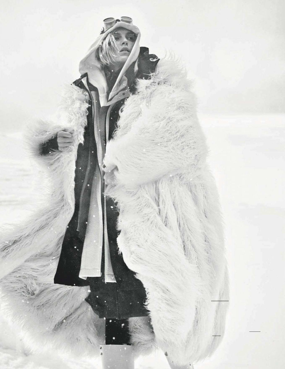 Anja Rubik by Giampaolo Sgura for Vogue Germany Dec 2018 (13).jpg