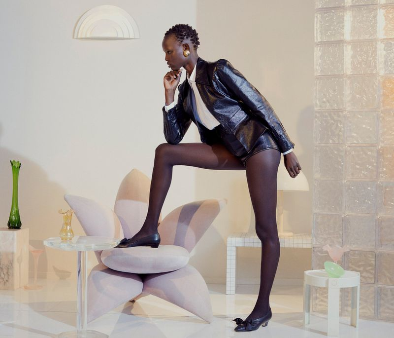 Shanelle Nyasiase by Nicole Maria Winkler for Vogue Germany Dec 2018 (3).jpg