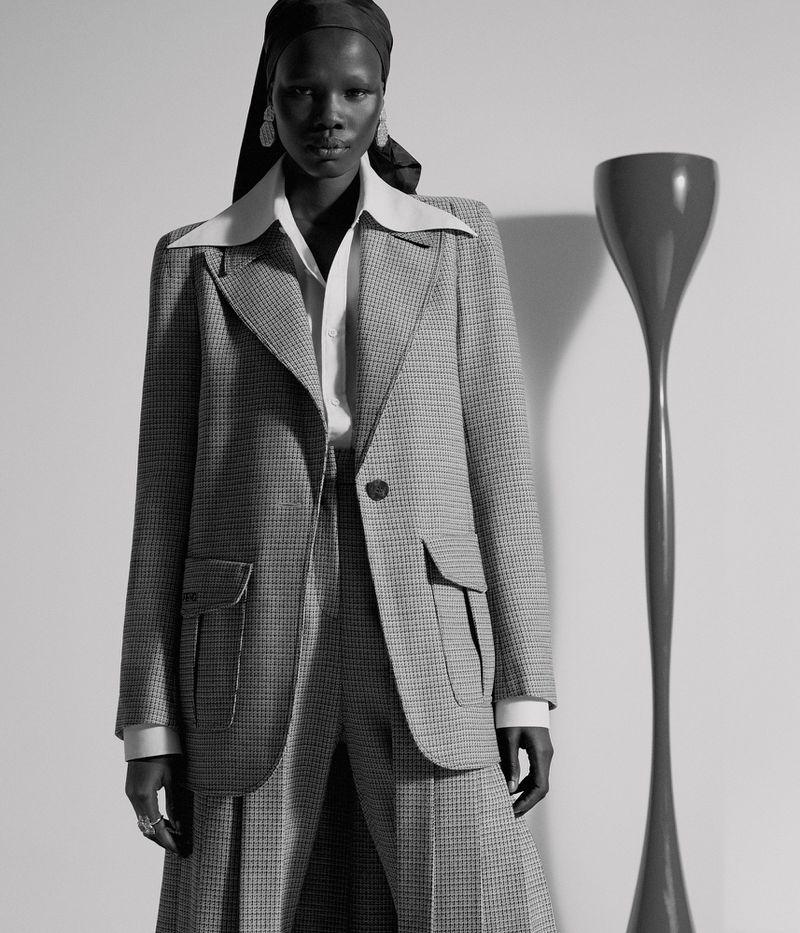 Shanelle Nyasiase by Nicole Maria Winkler for Vogue Germany Dec 2018 (5).jpg
