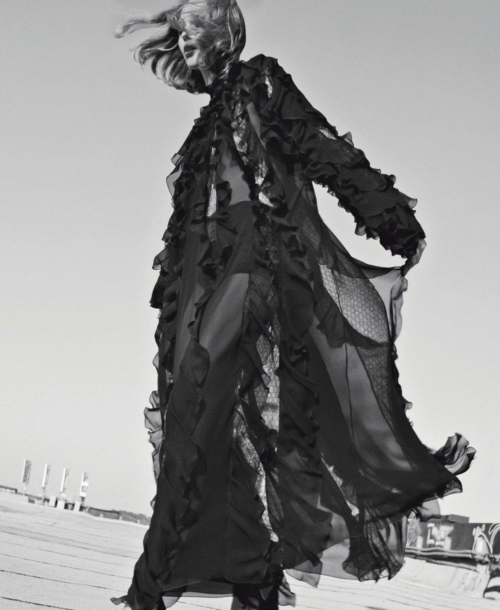 Vogue Italia November 2018 1.jpg