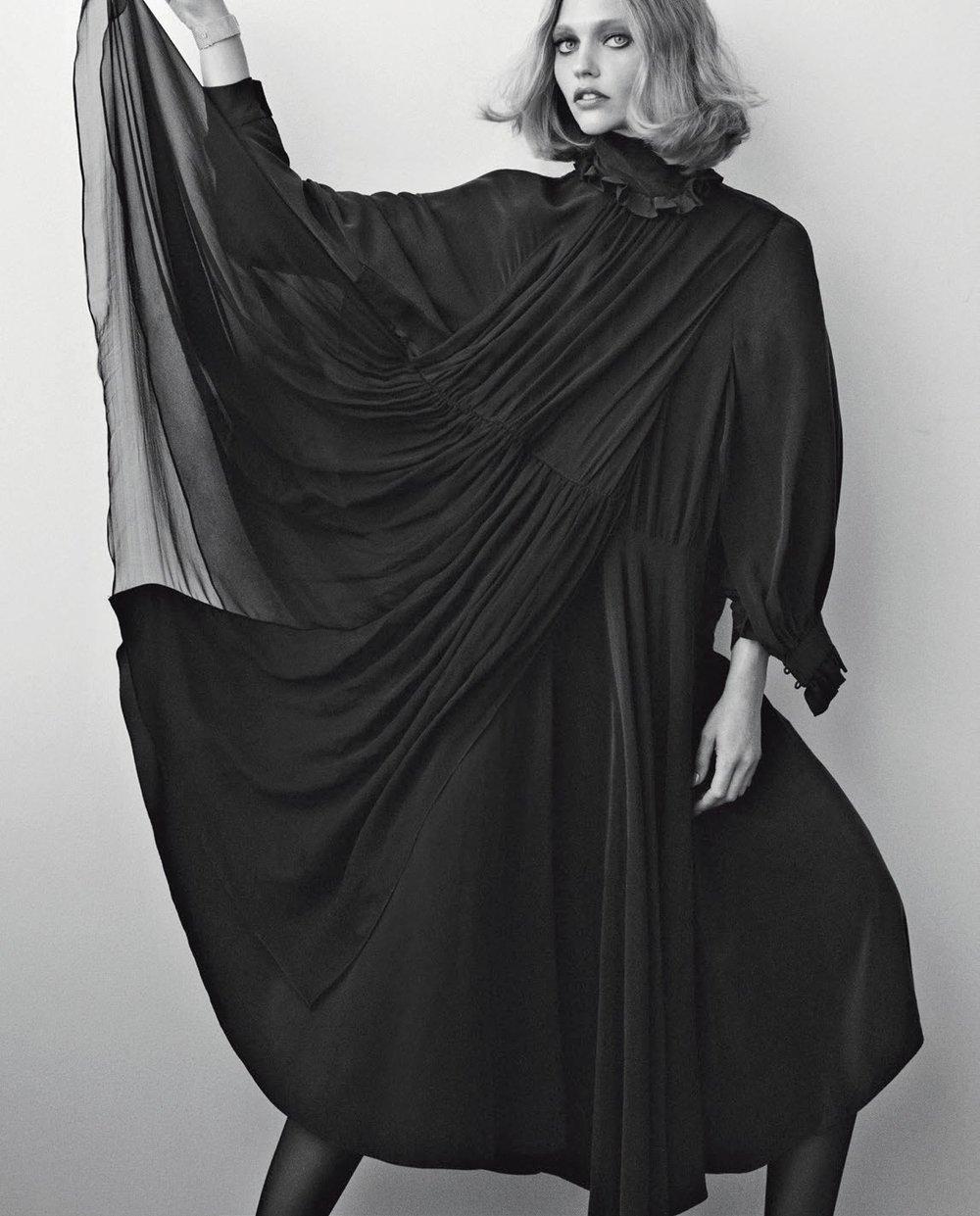 Vogue Italia November 2018 3.jpg