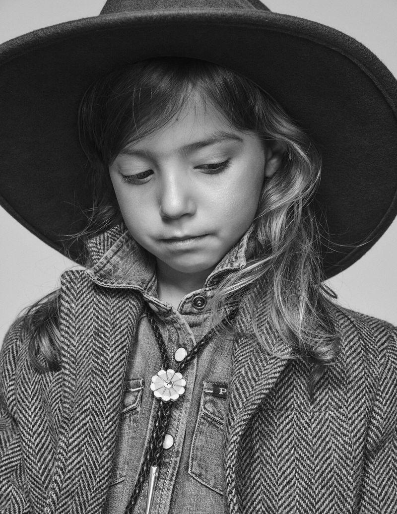 Edita Vilkeviciute + Family by Chris Colls for Vogue Paris Oct 2018 (25).jpg