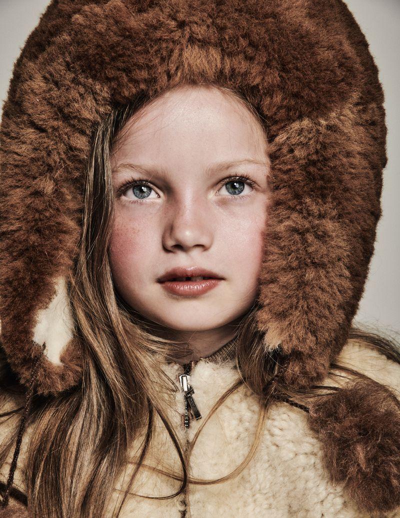 Edita Vilkeviciute + Family by Chris Colls for Vogue Paris Oct 2018 (27).jpg