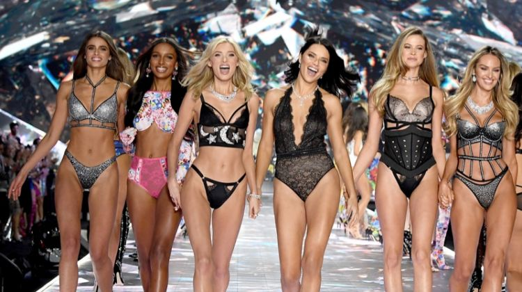 Victoria's Secret Fall 2018 Fall Fashion Show