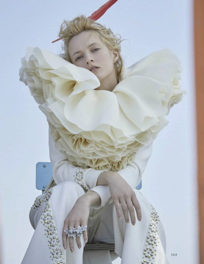 Daria Strokous by David Dunam for Elle Russia December 2018 (11).jpg