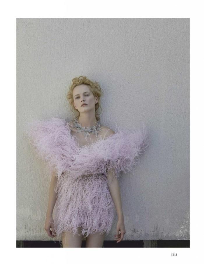 Daria Strokous by David Dunam for Elle Russia December 2018 (13).jpg