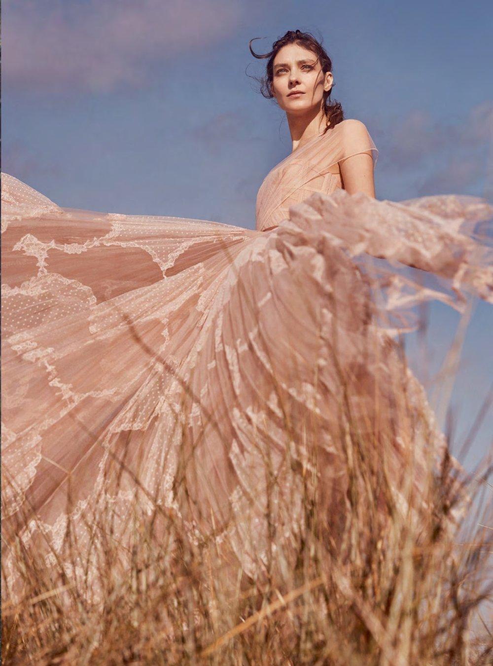 Kati Nescher by Richard Phibbs for Harper's Bazaar UK January 2019 (7).jpg
