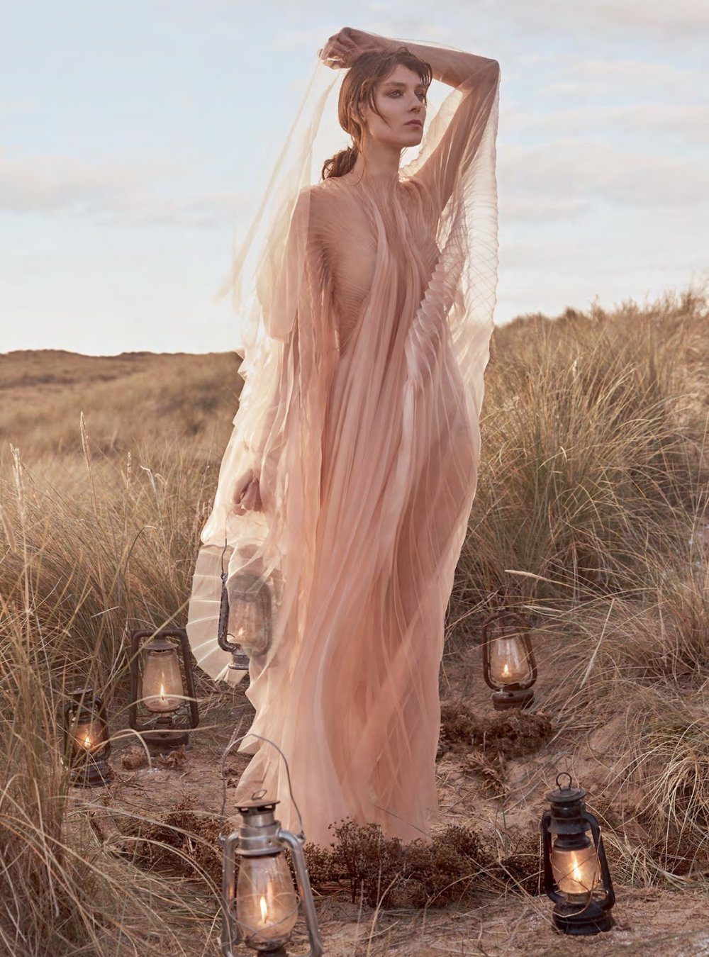 Kati Nescher by Richard Phibbs for Harper's Bazaar UK January 2019 (8).jpg