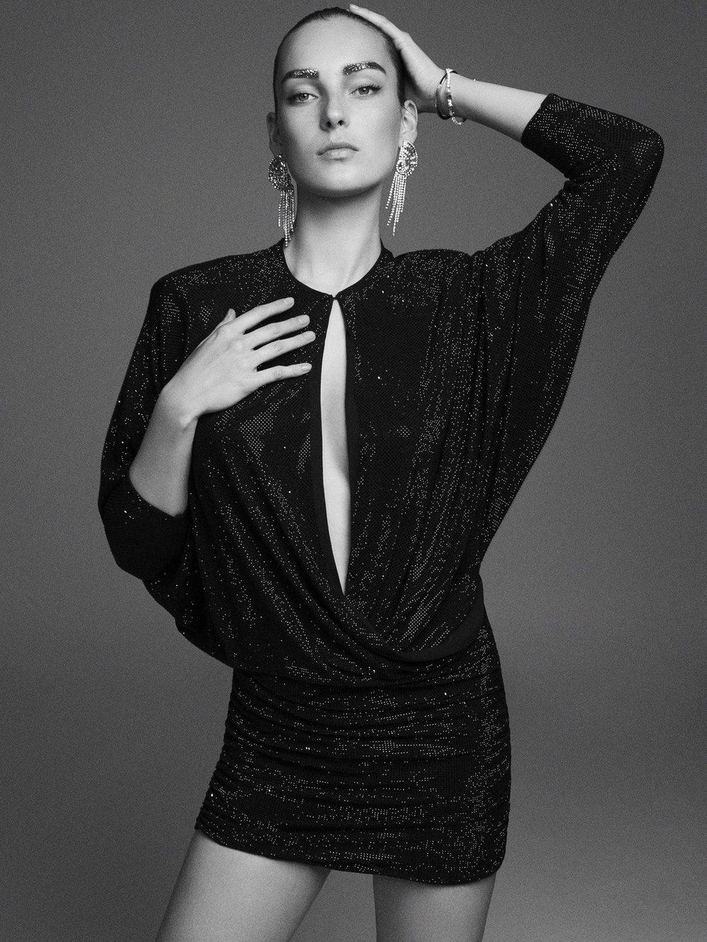 Julia Bergshoeff by Alvaro Beamud Cortes for Vogue Spain December 2018 (1).jpg