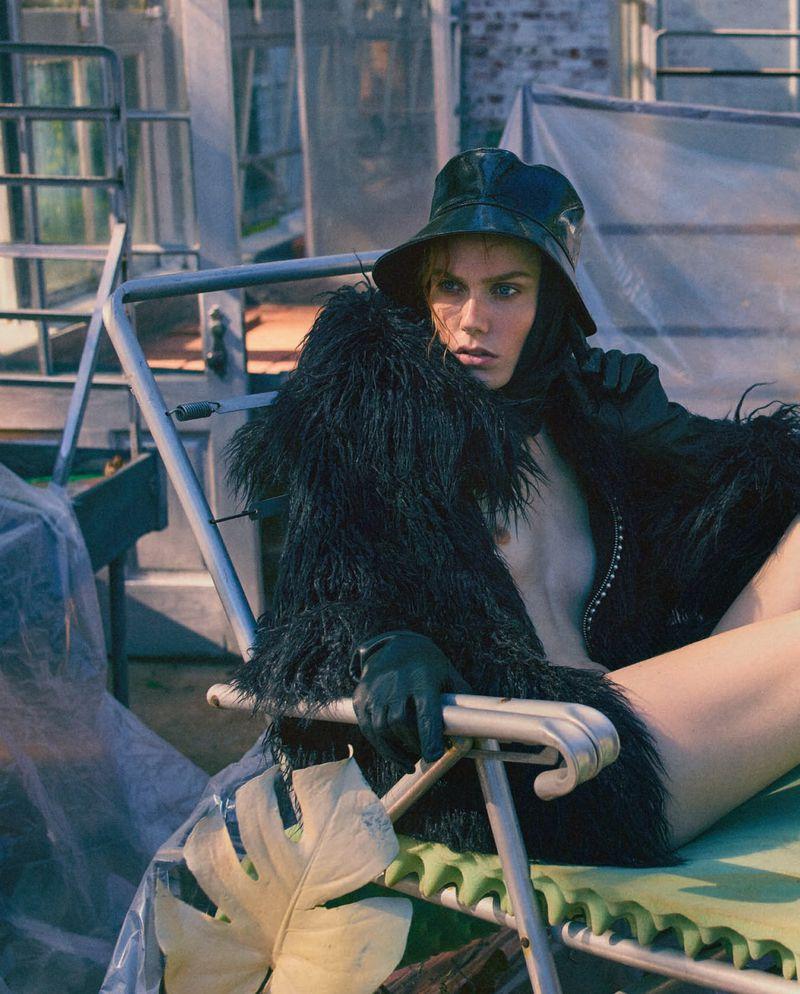 Kiki Willems by Greg Harris for Vogue Italia Dec 2018 (11).jpg