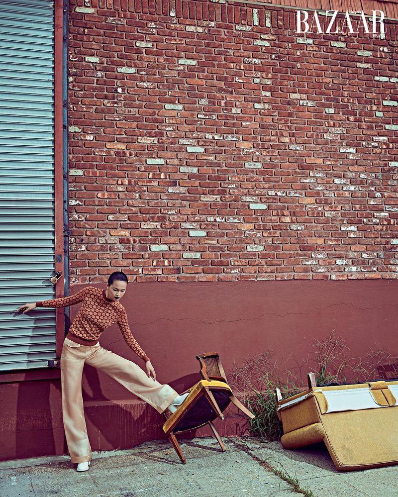 Xin Xiw for Harper's Bazaar Brazil Dec 2019 (1).jpg