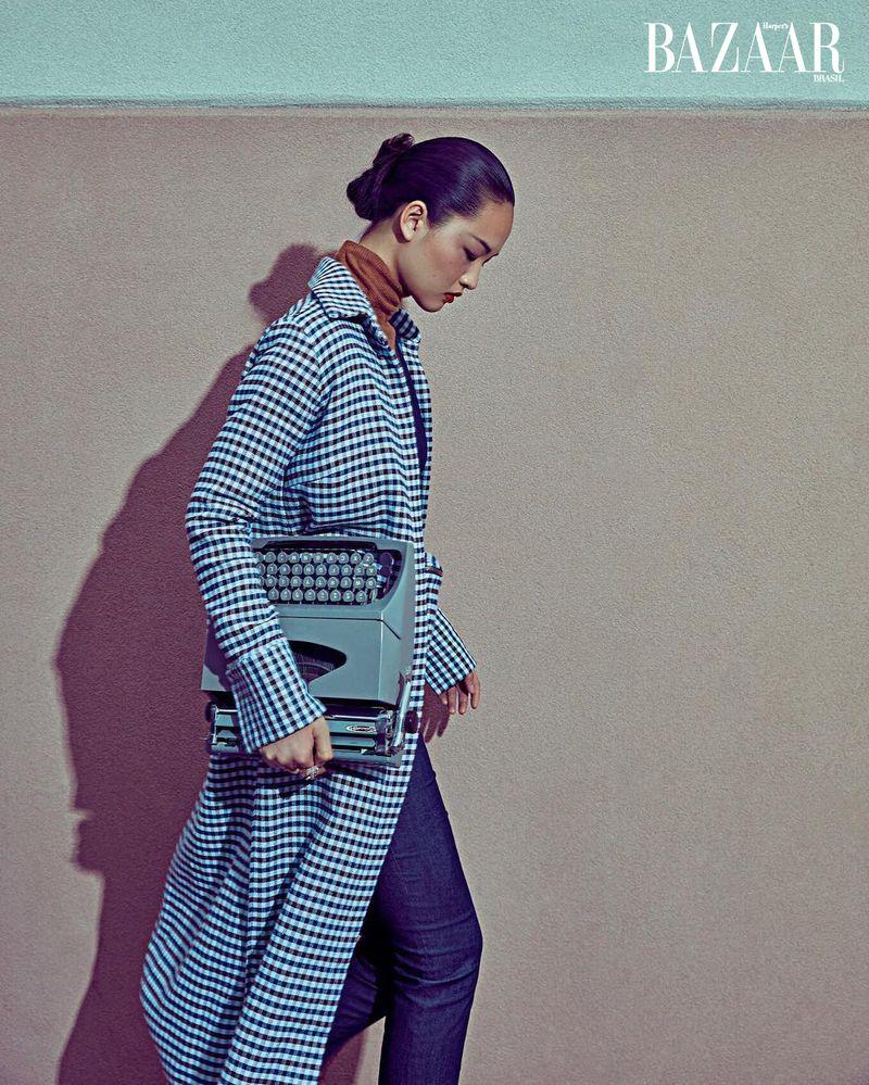 Xin Xiw for Harper's Bazaar Brazil Dec 2019 (6).jpg