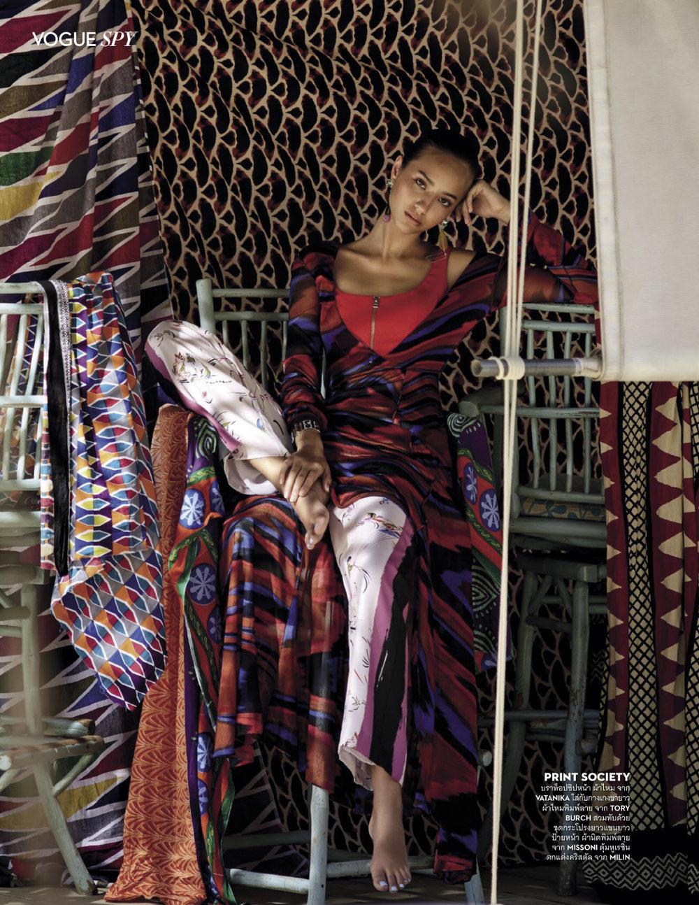 Matcha Mosimann by Sootket Jiwpanit for Vogue Thailand Dec 2018 (3).jpg