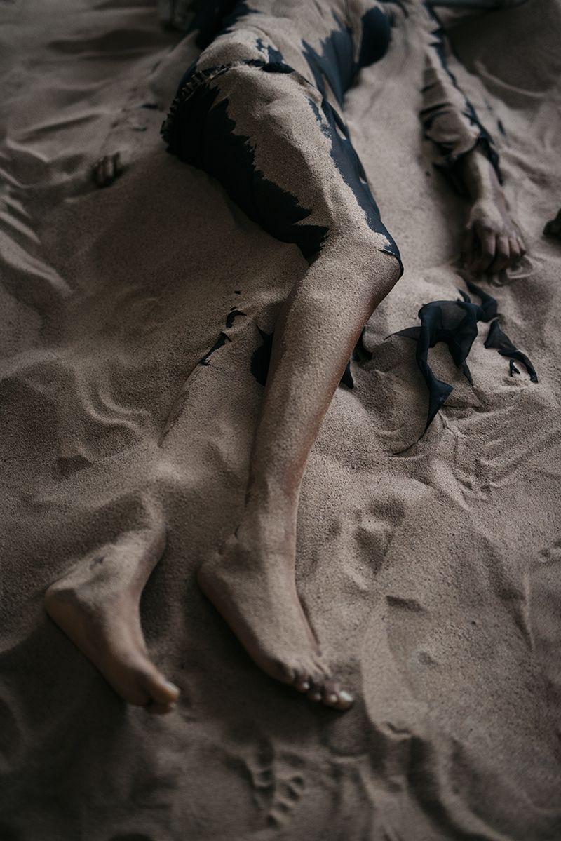 Michelle Marshall Body of Evidence Vogue Italy Jan 2019 (8).jpg