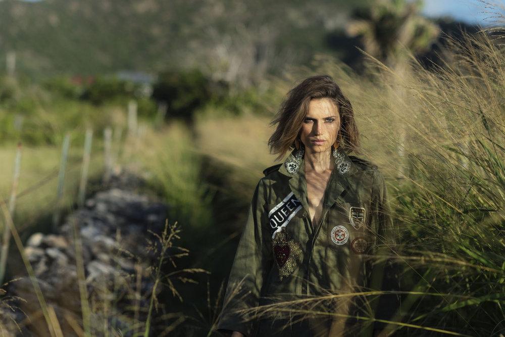 Cato Van Ee for Elle Italia Jan 2019 (3).jpg