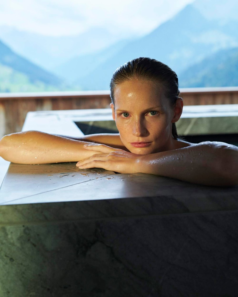 Katrin Thormann by Tobias Lundkvist for ELLE Germany (2).jpg