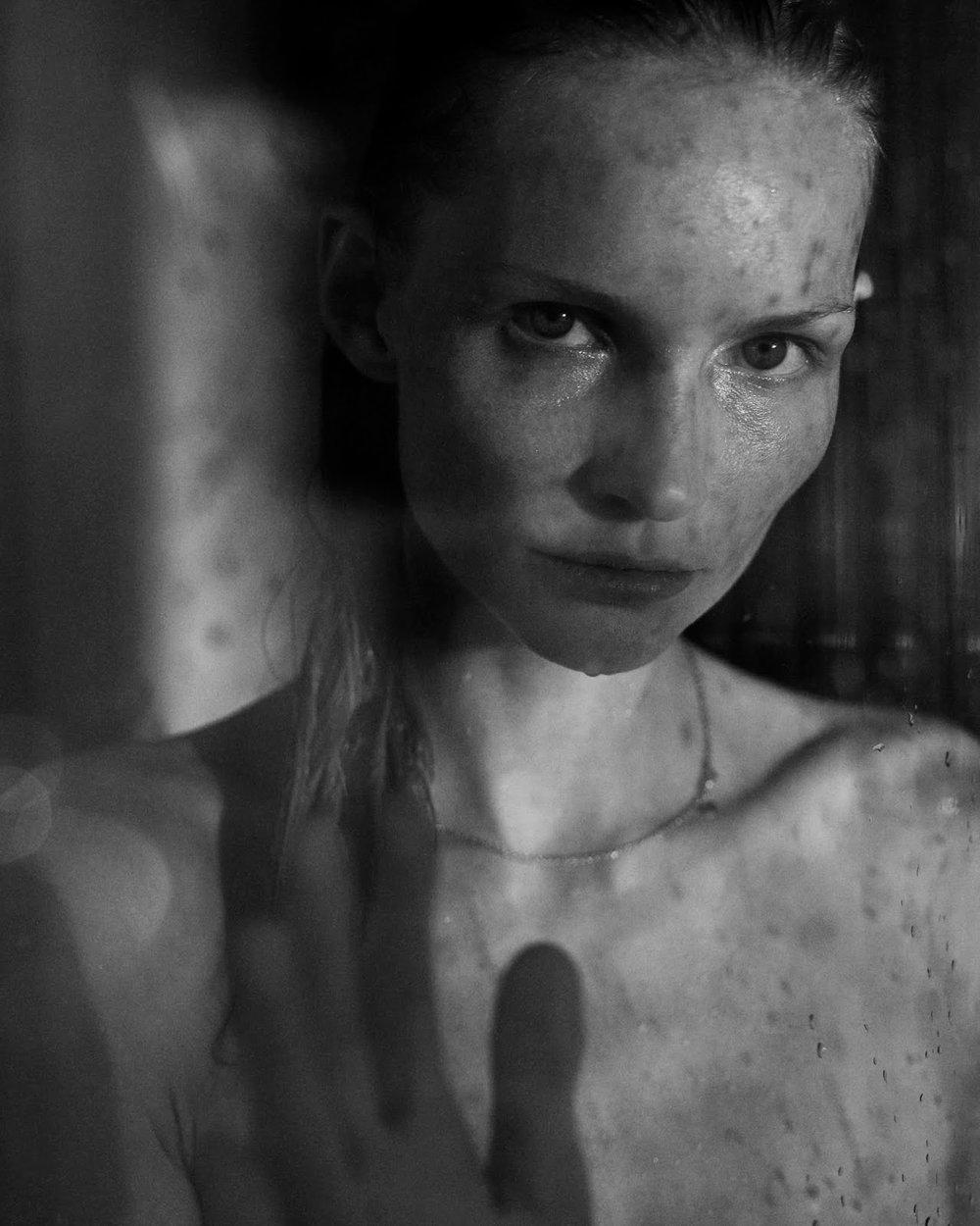 Katrin Thormann by Tobias Lundkvist for ELLE Germany (8).jpg
