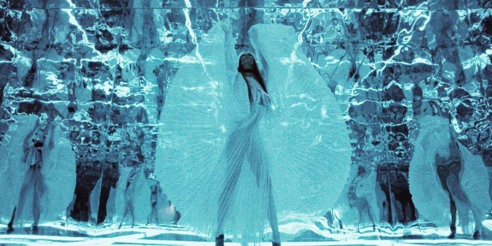 Naomi Campbell+Equinox Hotel by Nick Knight.JPG