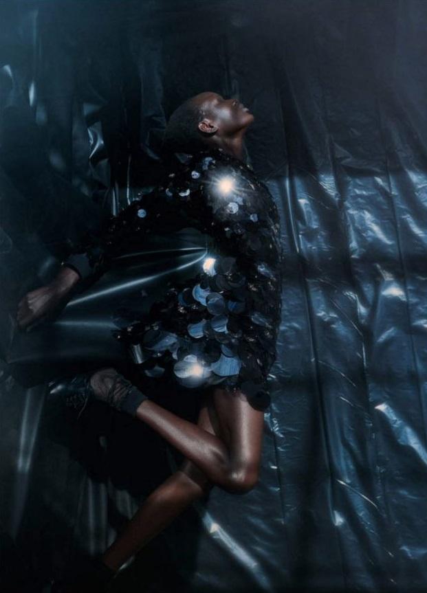Ajak Deng by Julia Noni Vogue Germany Mar 2019 (5).jpg