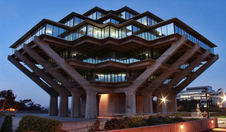 Featured Image Credits: Night View of the Geisel Library, University of California, San Diego, CA, USA, March 21, 2014 | © Courtesy of  O Palsson/Flickr .