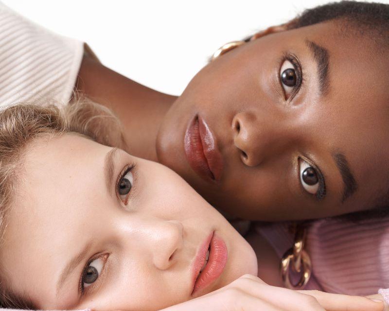Models Anabel Krasnotsvetova + Olivia Anakwe by Nicolas Kantor for Bobbie Brown Extra Lip Campaign