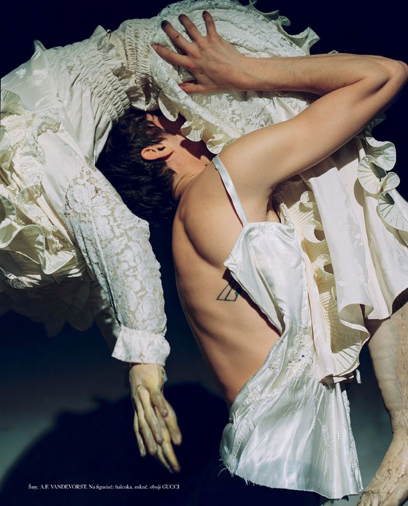 Grace-Hartzel-Dan-Belieu-Vogue-Czech- (14).jpg