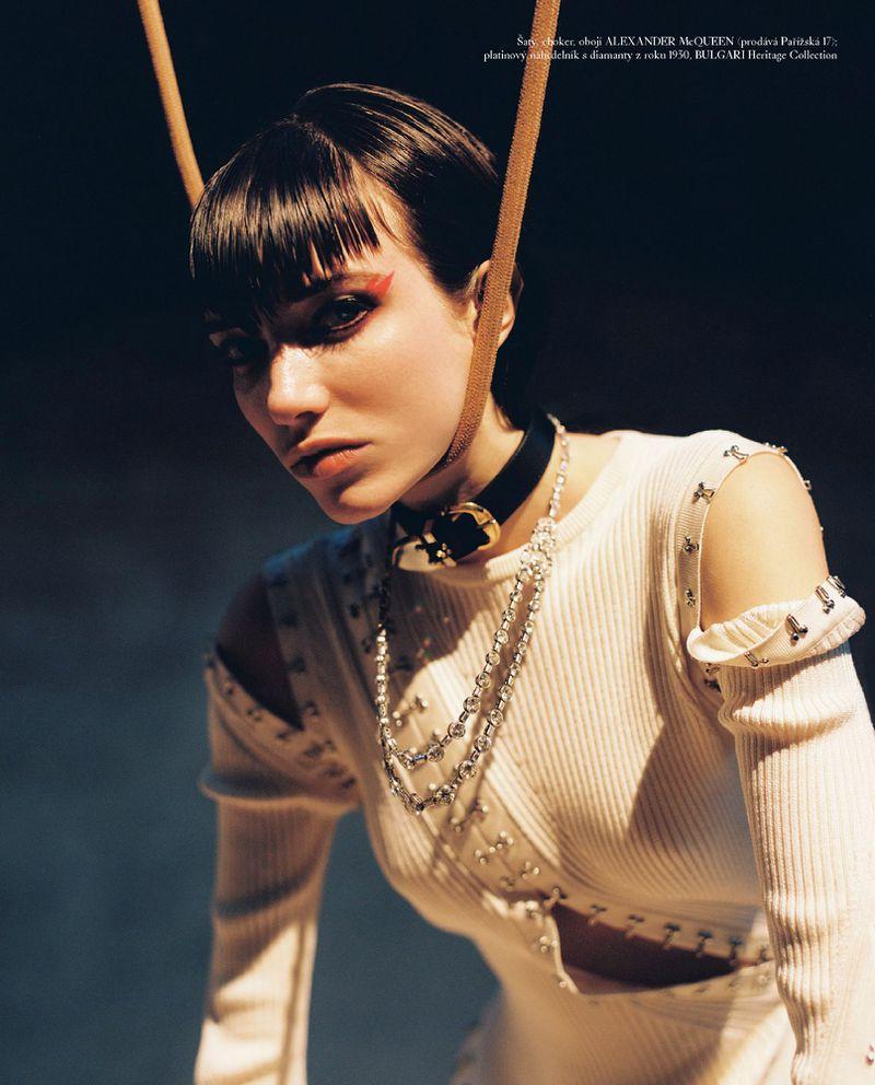 Grace-Hartzel-Dan-Belieu-Vogue-Czech- (17).jpg