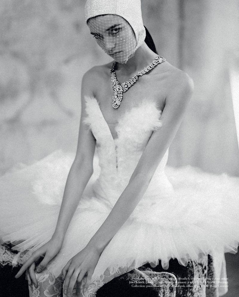 Grace-Hartzel-Dan-Belieu-Vogue-Czech- (6).jpg