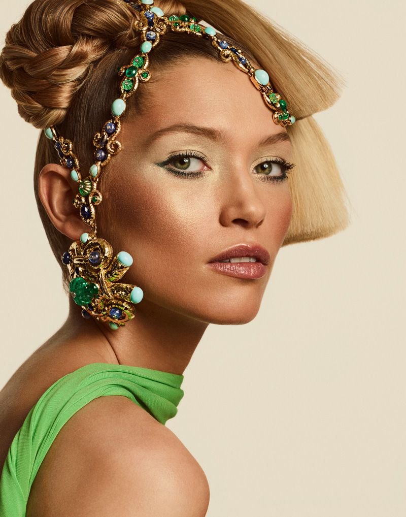 Hana-Jirickova=Jason-Kim-Vogue-Arabia-March-2019- (5).jpg
