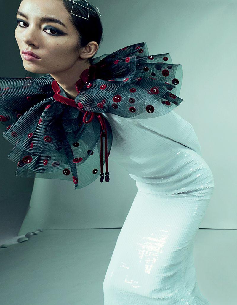 Fei-Fei-Sun-Emma- Summerton- Vogue-China-April-2019 (6).jpg