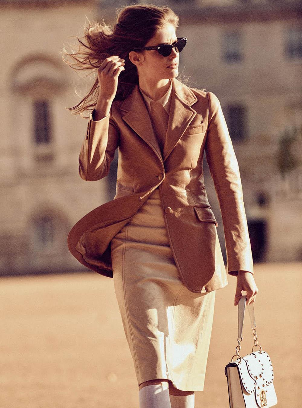 Alisa-Ahmann-by-Regan-Cameron-for-Harper's-Bazaar-UK-March-2019-1.jpg