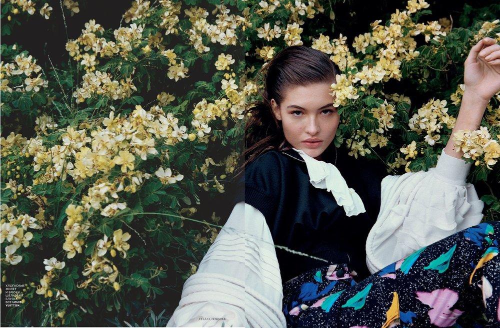 Grace-Elizabeth-Yelena-Yemchuk-Vogue-Russia-April-2019 (4).jpg