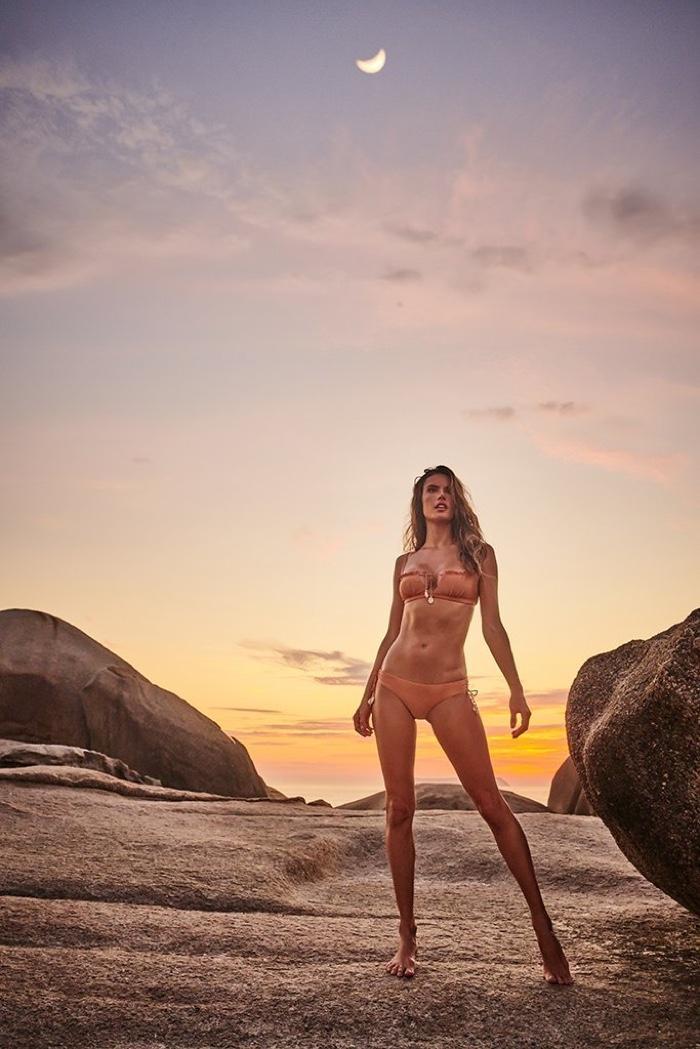 Alessandra-Ambrosio-GAL-Floripa-Stewart-Shining-Floripa (1).jpg