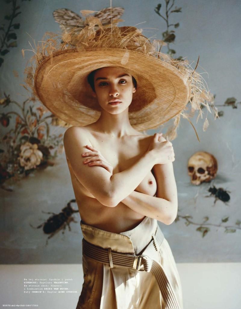 Lera Abova by Marcin Kempski for Vogue Poland (8).jpg