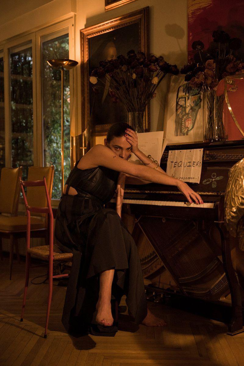 Laura-Ponte-by-Cesar-Segarra-for-Vogue-Spain March-2019 (9).jpg