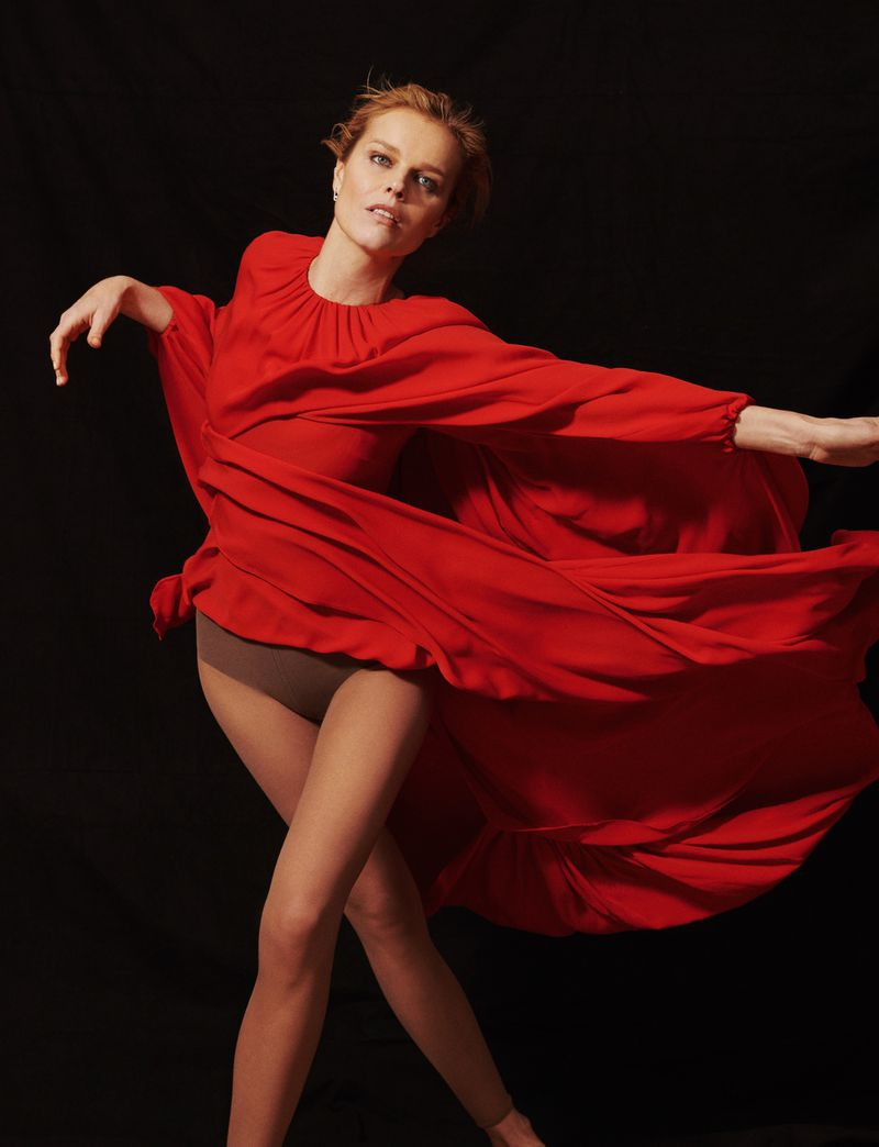Eva-Herzigova-by-Philip-Gay-Harper's-Bazaar-Russia- (10).jpg