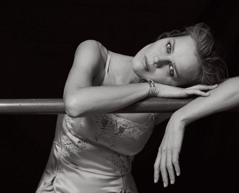 Eva-Herzigova-by-Philip-Gay-Harper's-Bazaar-Russia- (13).jpg