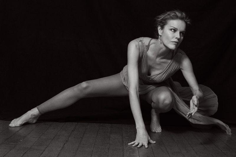 Eva-Herzigova-by-Philip-Gay-Harper's-Bazaar-Russia- (14).jpg