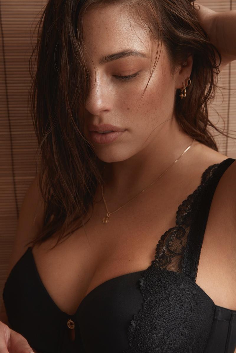 Ashley-Graham-Addition-Elle-2019-Lingerie-Campaign04.jpg