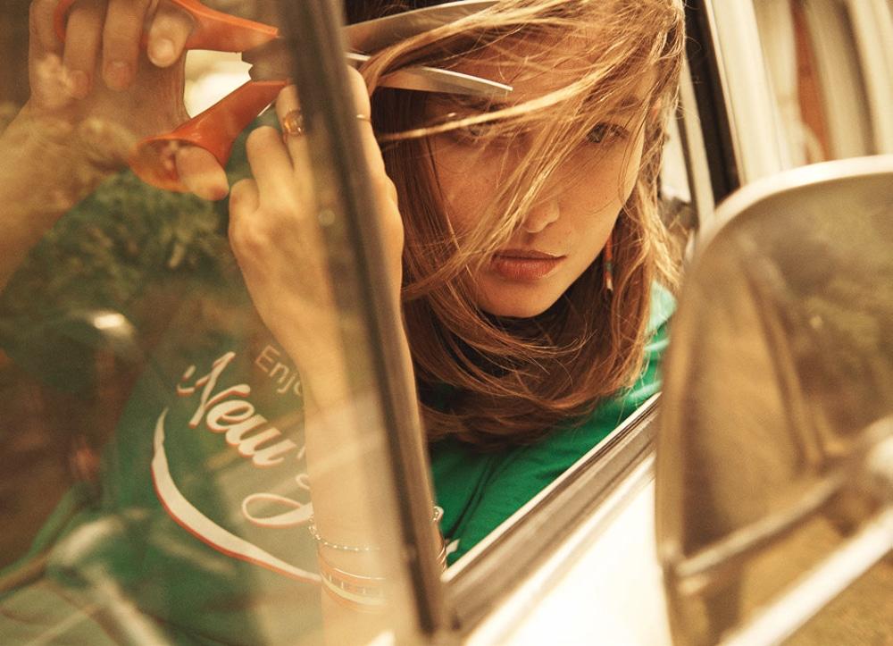 Lachlan-Bailey-Holiday-Magazine-Andreea-Diaconu-4.jpg