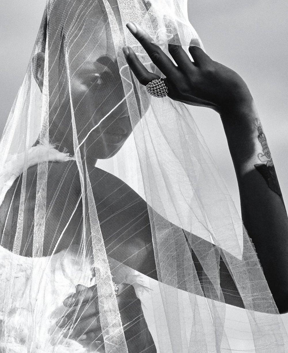 Adesuwa-Aighewi-Sebastian-Kim-Harpers-Bazaar- US-April-2019- (2).jpg