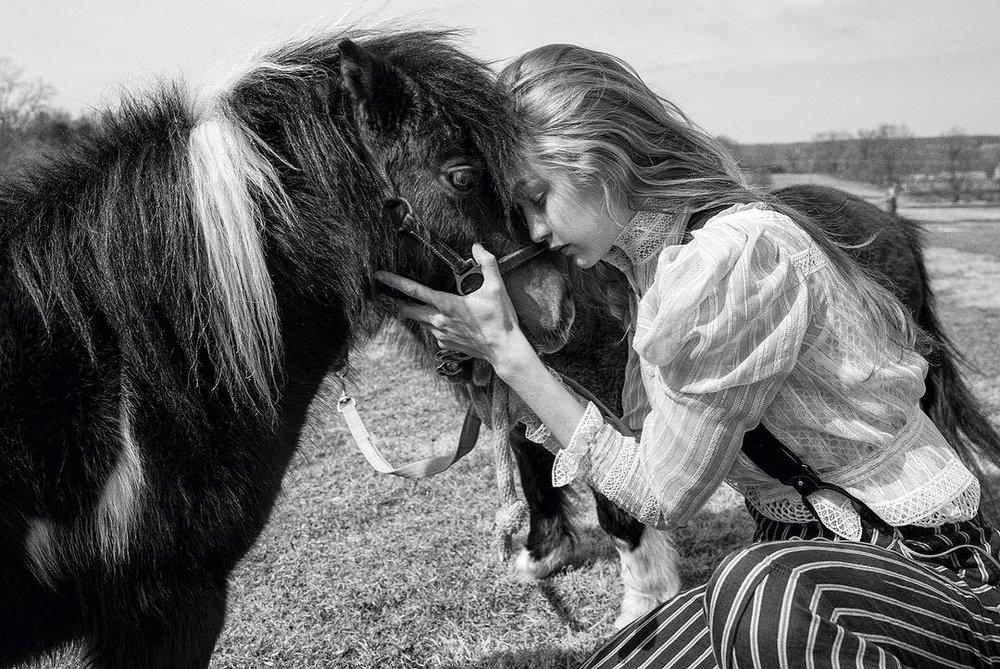 Gigi-Hadid-Helena-Christensen-Vogue-Czech-May-2019 (2).jpg